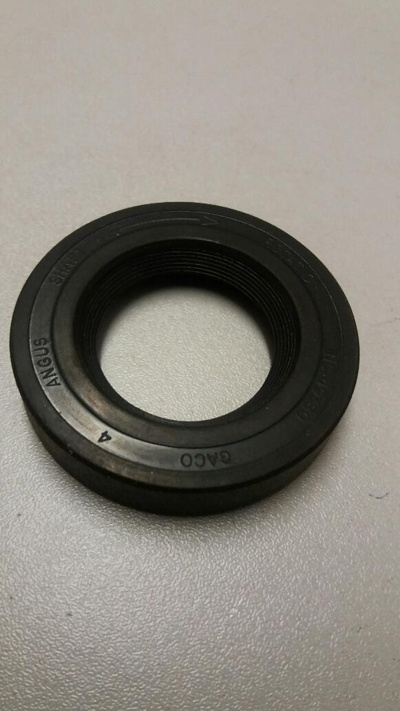 Austin Princess clutch shaft oil seal