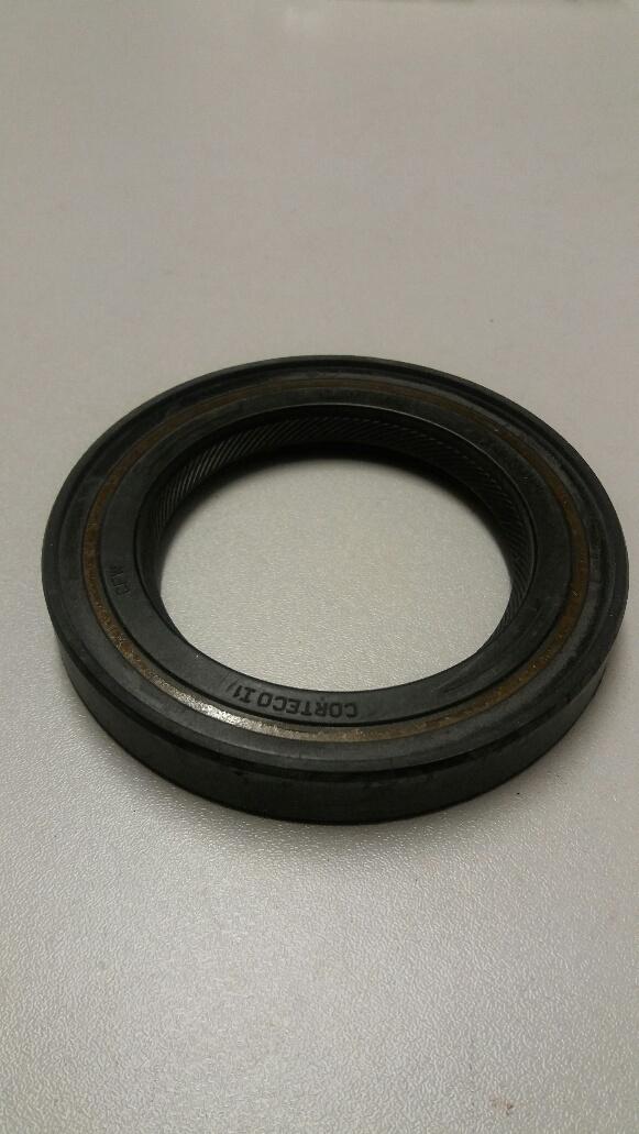 Vauxhall Astra rear crankshaft oil seal